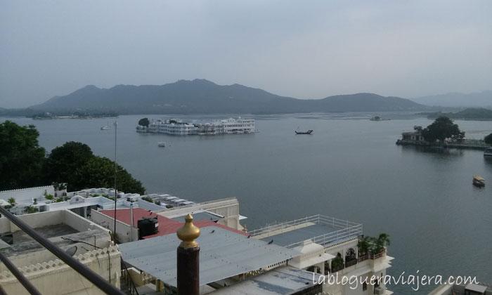 udaipur-Hotel-lago-India
