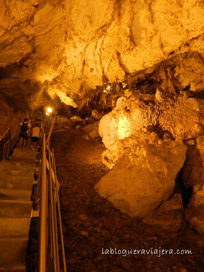 Cueva-Antiparos-grecia