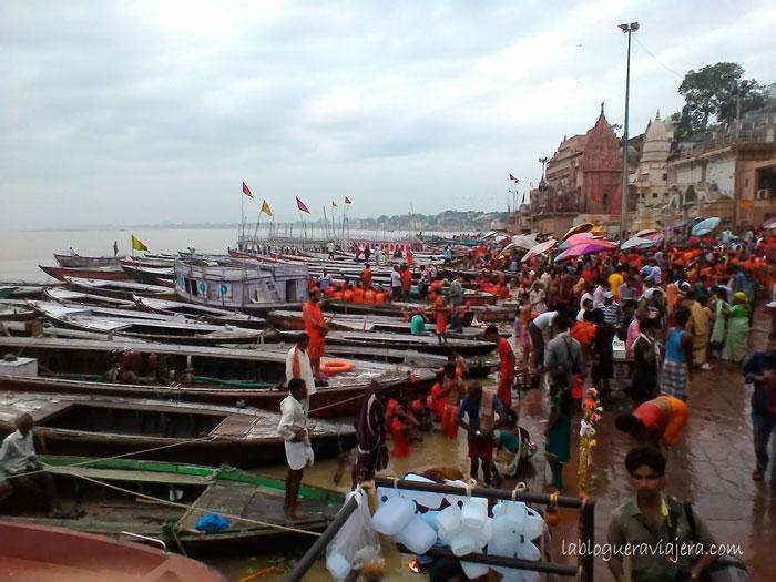 guia-benares-ghats-india