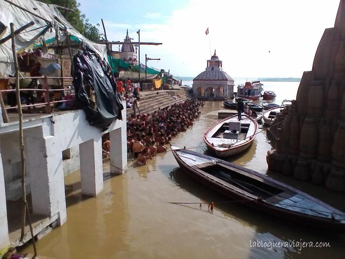 Ablucion-Ganges-Benares-India