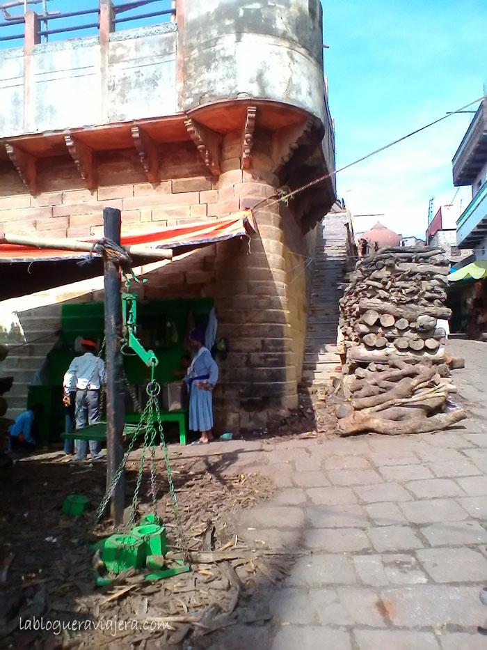 piras-funerarias-Benares-India