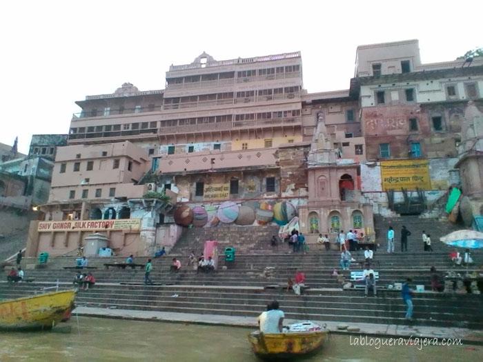 barca-Ganges-Benares-India