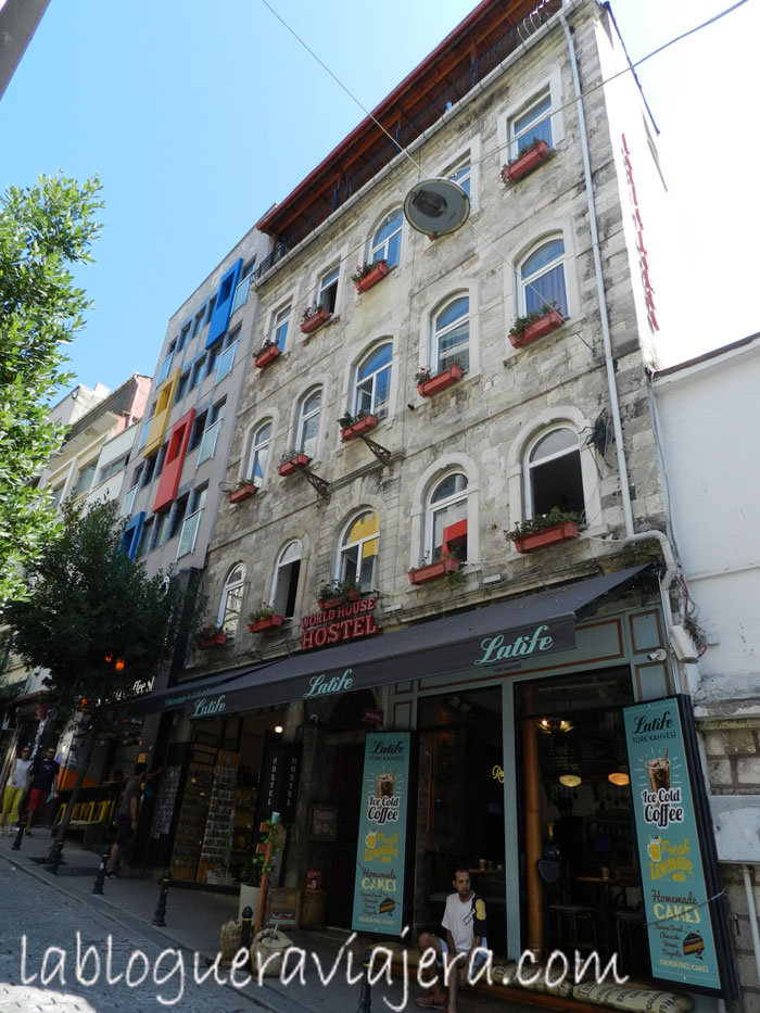 world-house-hostel-Estambul