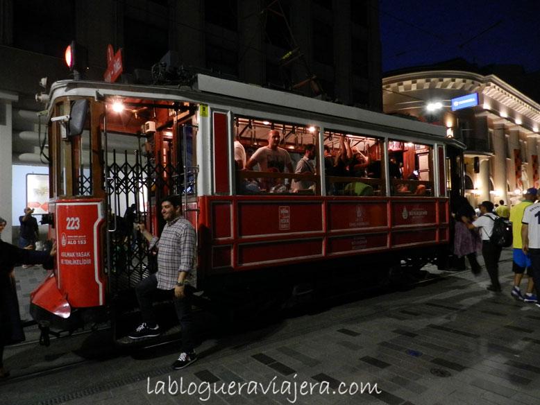 Istiktal-Caddesi-Estambul-Turquia