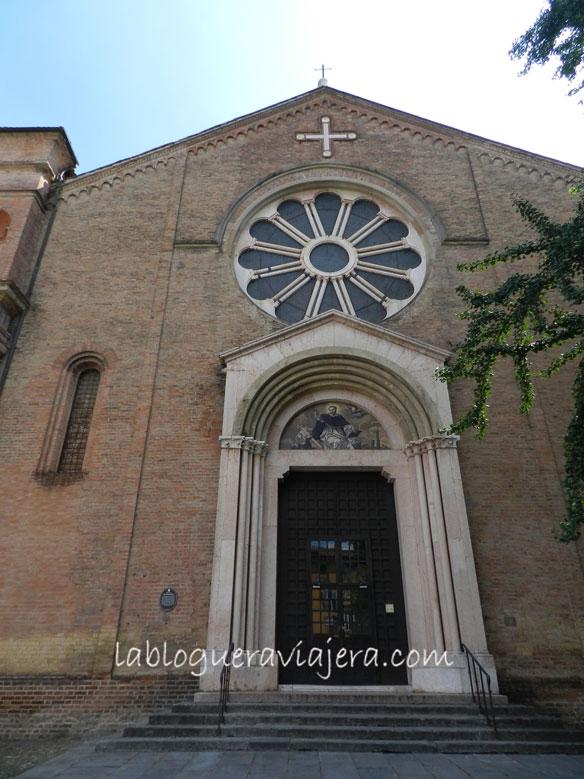 Basilica-San-Domenico-Bolonia-Italia