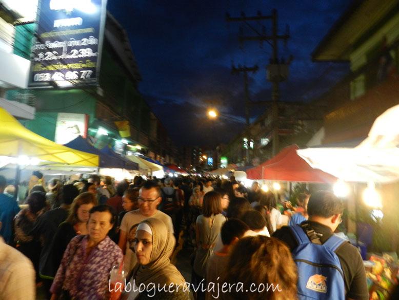 saturday-street-market-Chiang-Mai-Tailandia