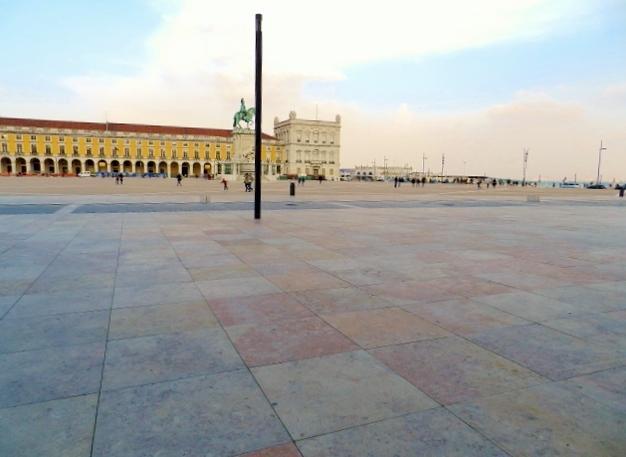 Praça-Comercio-Baixa-Lisboa-Portugal