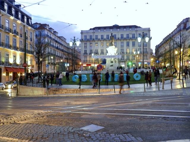 Praça-Luis-Camoes-Barrio-Alto-Lisboa-Portugal