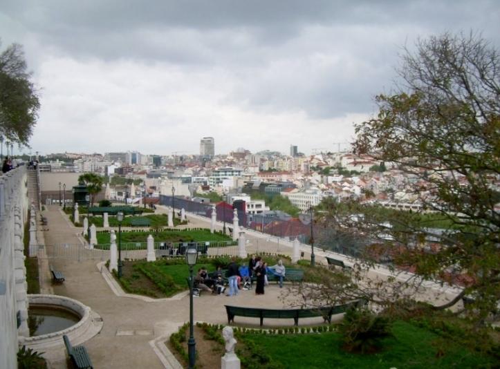 Mirador-Sao-Pedro-Alcantara-Lisboa-Portugal