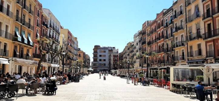 plaza-font-Tarragona-Cataluña