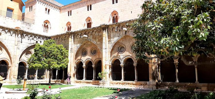 Catedral-claustro-Tarragona-Cataluña